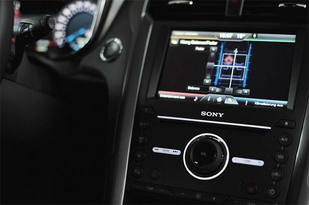 Pannello di controllo audio del sistema audio Sony della Ford Mondeo