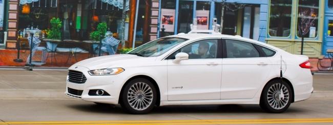 La vettura a guida autonoma di Ford