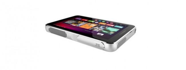 MWC 2016: ZTE Spro, un tablet pc proiettore