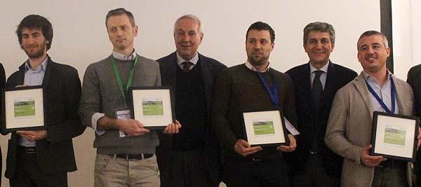 Foto di gruppo per i vincitori delle quattro categorie della startup competition della Mobility Conference.