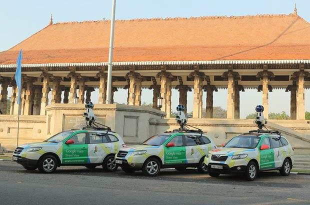 Le Google Car in azione nelle strade dello Sri Lanka