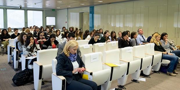 Le studentesse che hanno partecipato a Pink about Tomorrow, presso la Eni Corporate University di San Donato Milanese