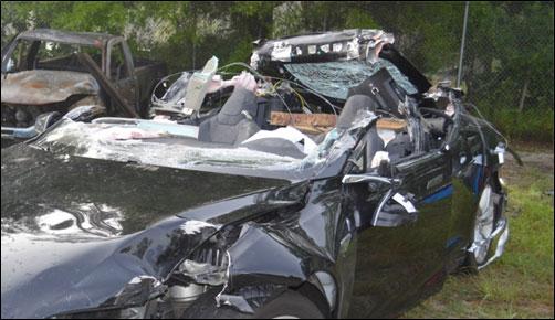Tesla e l'incidente mortale: l'auto correva troppo