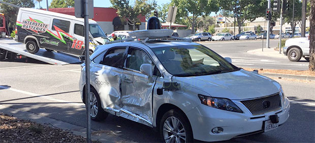 La Google self-driving car coinvolta in un incidente