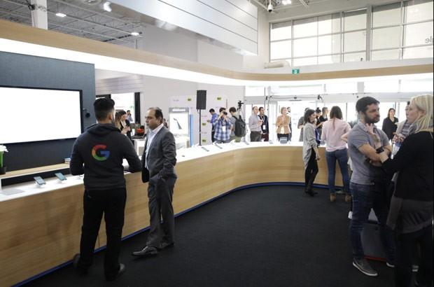 Uno degli store di Google allestiti all'interno dei punti vendita della linea Best Buy, in Canada