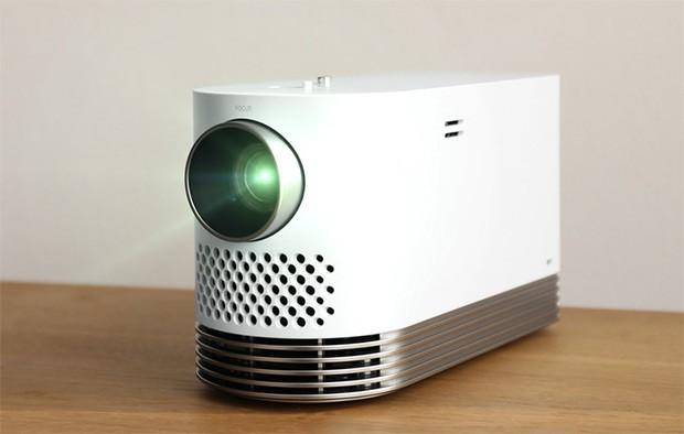LG ProBeam, proiettore Full HD con luminosità sufficiente a garantire un'ottima visibilità anche in ambienti illuminati