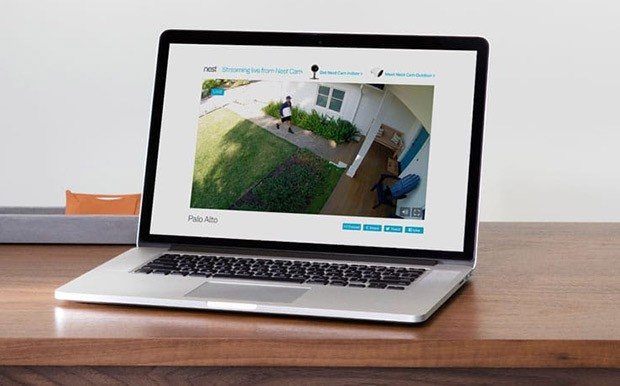 Il servizio in abbonamento Nest Aware permette di accedere in qualsiasi momento alle registrazioni delle videocamere, anche da remoto