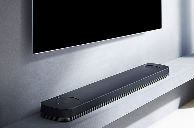 La soundbar LG SJ9 con tecnologia Dolby Atmos e Chromecast built-in