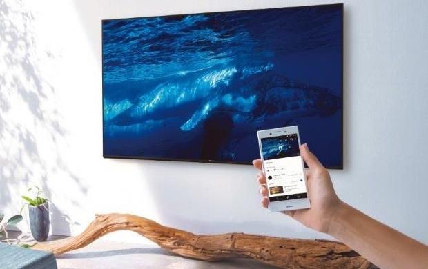 I nuovi televisori Ultra HD di Sony possono interagire con lo smartphone, anche tramite l'intelligenza artificiale dell'Assistente Google