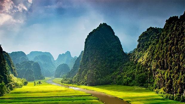 Le verdi lande di Skull Island, luogo di fantasia che ospita gli eventi del film Kong