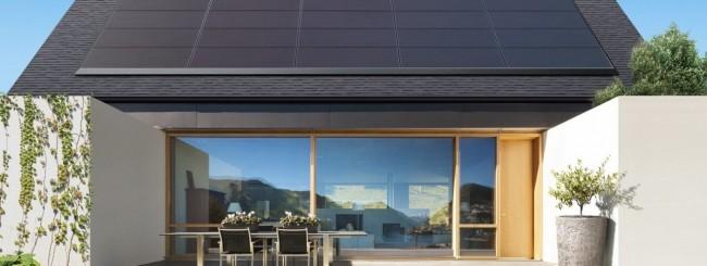 Tesla svela un pannello solare minimale