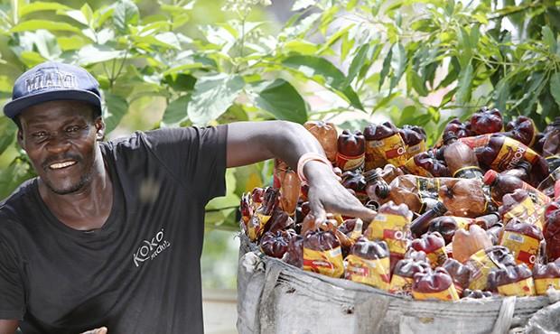 Il progetto messo in campo da HP ad Haiti, per il recupero delle bottiglie di plastica da destinare alla produzione delle cartucce