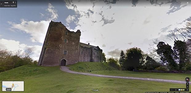 Winterfell, la casa della famiglia Stark: le location sono quelle del Doune Castle (nel distretto Stirling, al centro della Scozia) e del Castle Ward nell'Irlanda del Nord