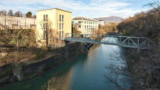 La centrale idroelettrica situata sul fiume Brembo, che contribuisce ad alimentare il data center