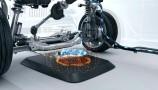 BMW: ricarica wireless per auto ibride o elettriche