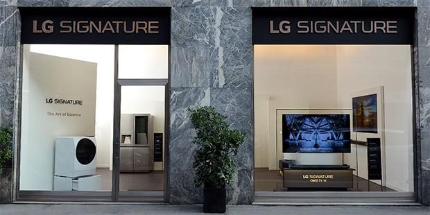 Il Flagship Store di LG, in via Durini 4 a Milano