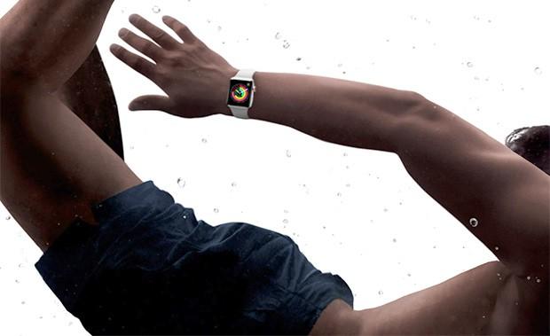 La cassa di Apple Watch Series 3 è waterproof, resistente al contatto con l'acqua