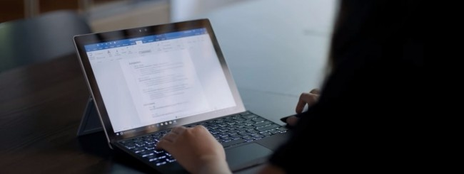 Microsoft integra LinkedIn in Word