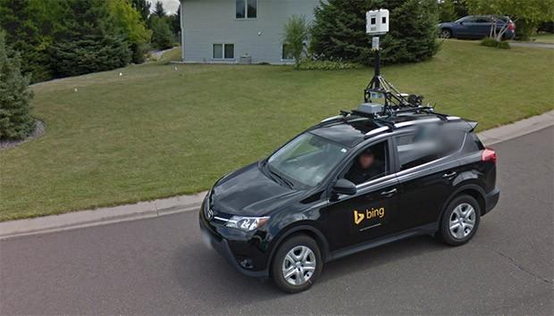 L'auto Bing di Microsoft è ben visibile tra le immagini acquisite dalla Google Car per Street View