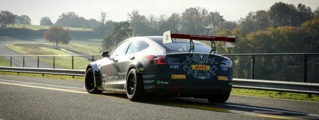 La FIA approva la Electric Car Production Series