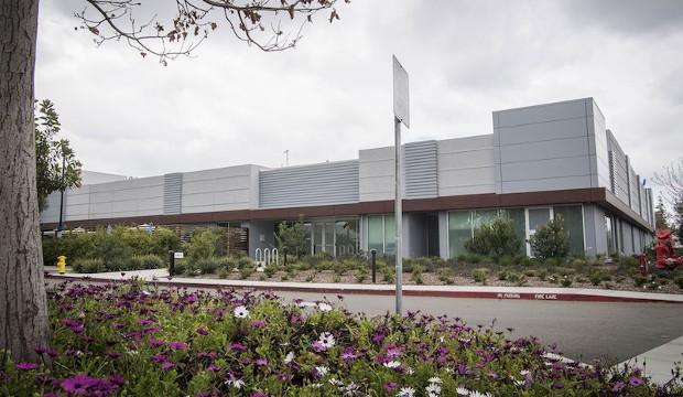 apple_microled_facility