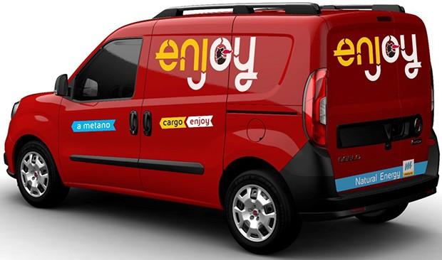 """Uno dei FIAT Doblò Cargo impiegati per il trasporto condiviso di """"cose"""" con il servizio Enjoy Cargo"""