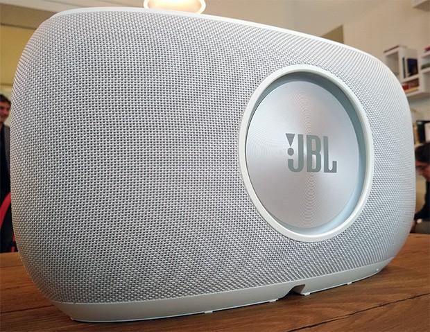 Lo smart speaker JBL Link 500, il più grande e potente della gamma