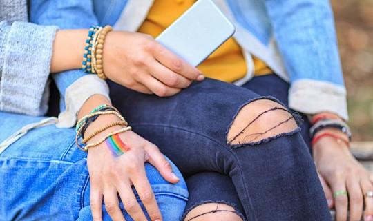 LGBT, smartphone
