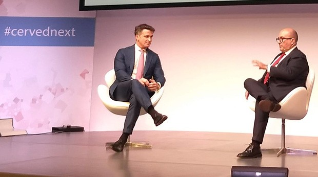 Marco Nespolo, CEO di Cerved Group, sul palco di Cerved Next con Gennaro Sangiuliano, Vicedirettore del TG1