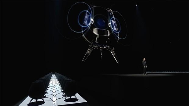 Gli smart speaker Galaxy Home sul palco dell'evento Unpacked organizzato da Samsung a New York