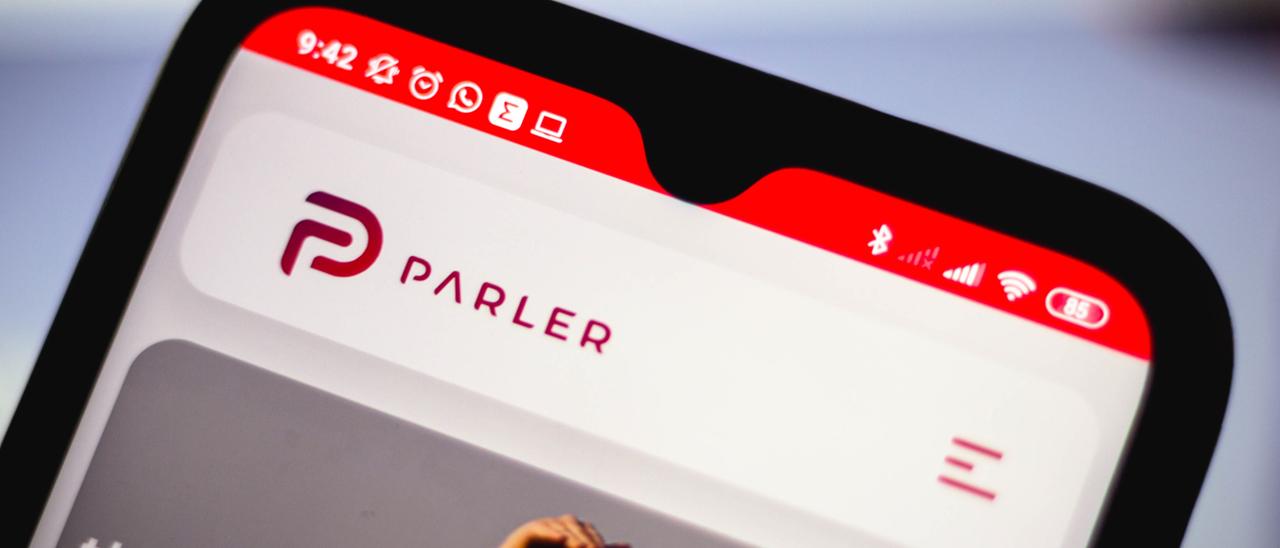 I giganti tech contro Parler, l'app us …