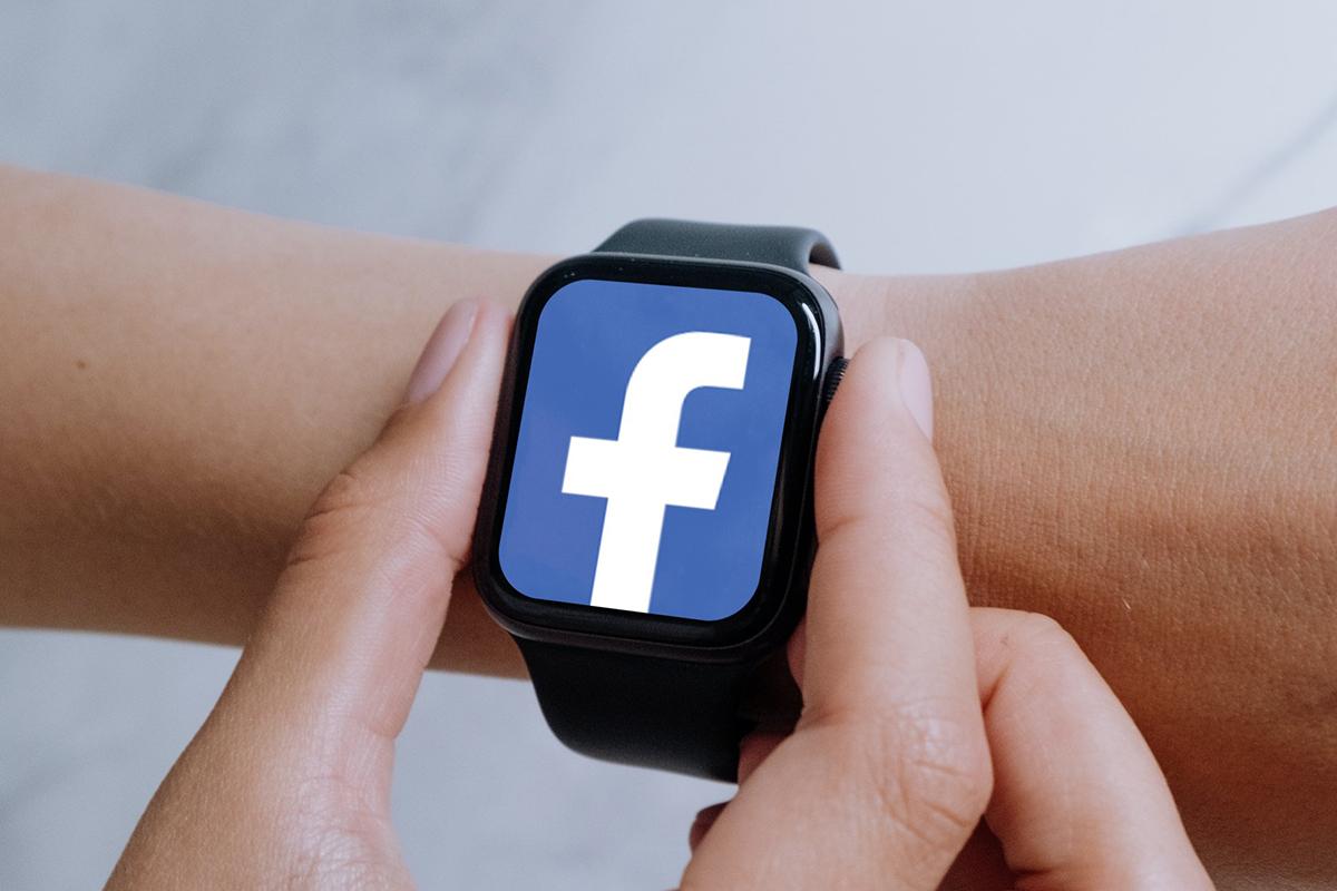 Facebook, il suo primo smartwatch entro l'estate 2022?