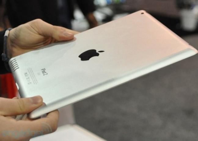 Apple iPad 2 (foto di Engadget)