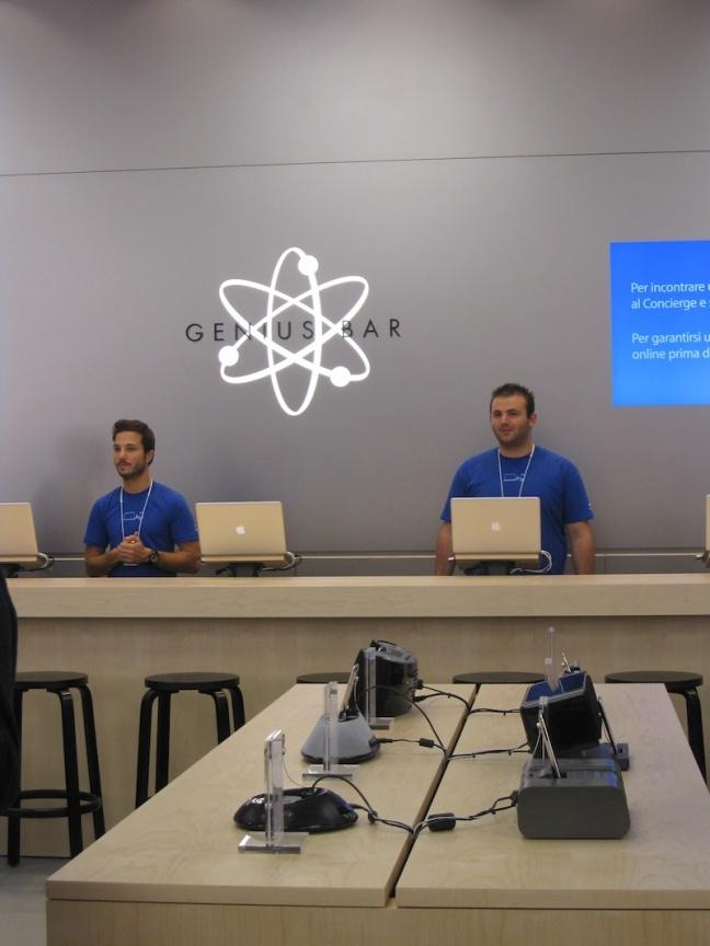 Apertura Apple Store Carosello - Ingresso Stampa e Conferenza