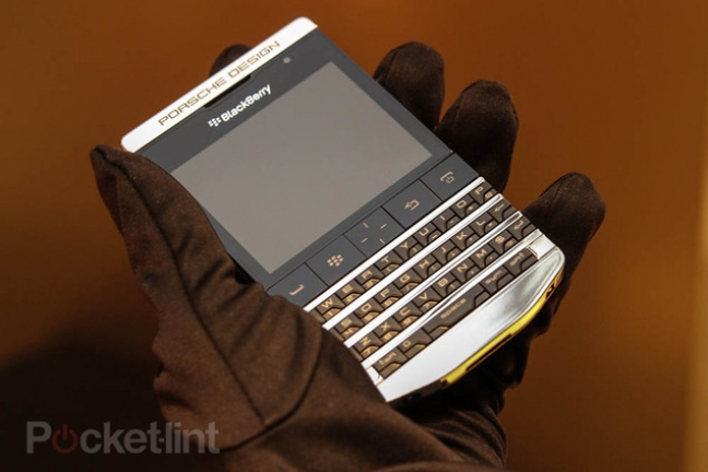 blackberry-porsche-design-titanium-phone-10
