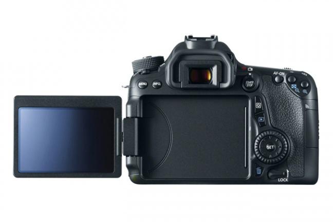 Canon EOS 70D, retro con LCD aperto