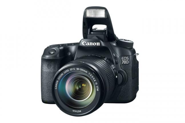Canon EOS 70D con flash