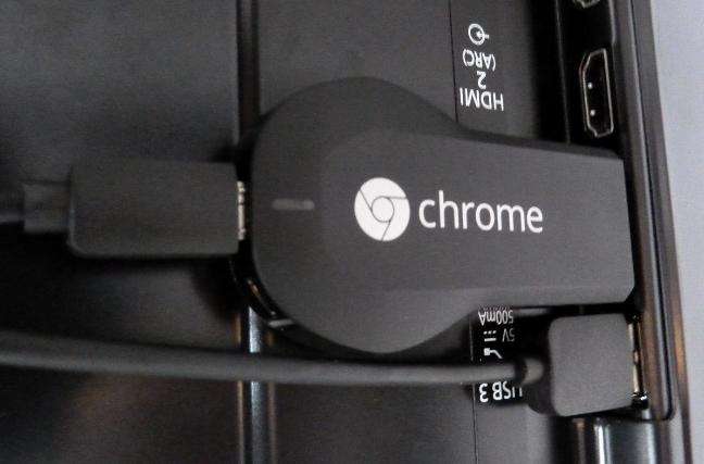 Google Chromecast connesso e alimentato
