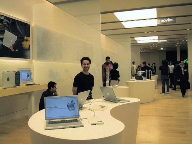 Dieci anni di Apple Store