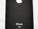 Immagine della cover posteriore del nuovo iPhone. Si può notare come abbia perso il carattere lucido a favore di uno più opaco