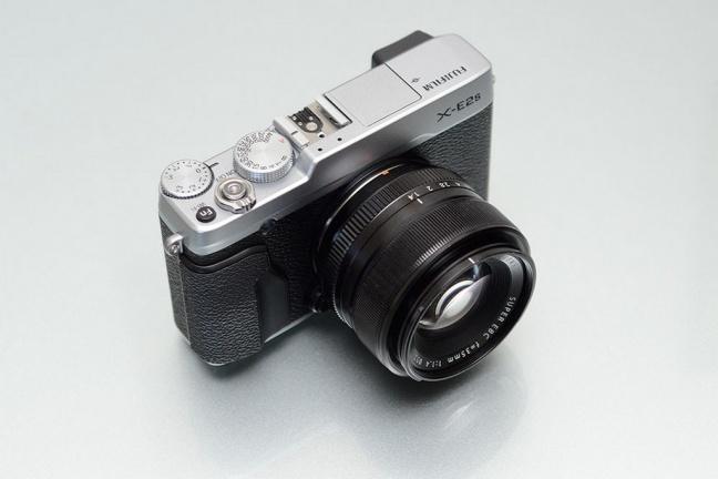fujifilm-x-e2s-1