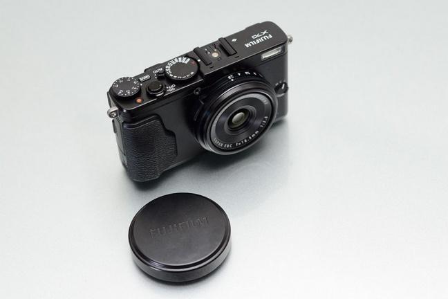fujifilm-x70-2