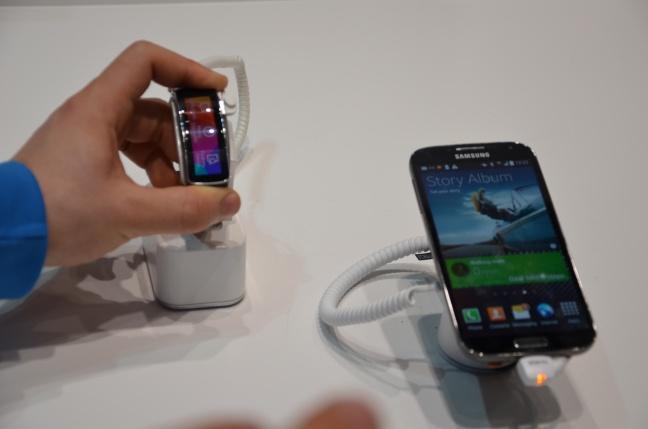 Galaxy Gear Fit hands-on
