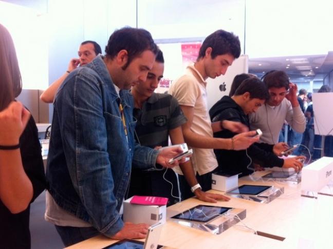 Inaugurazione Apple Store Catania (Repubblica.it)
