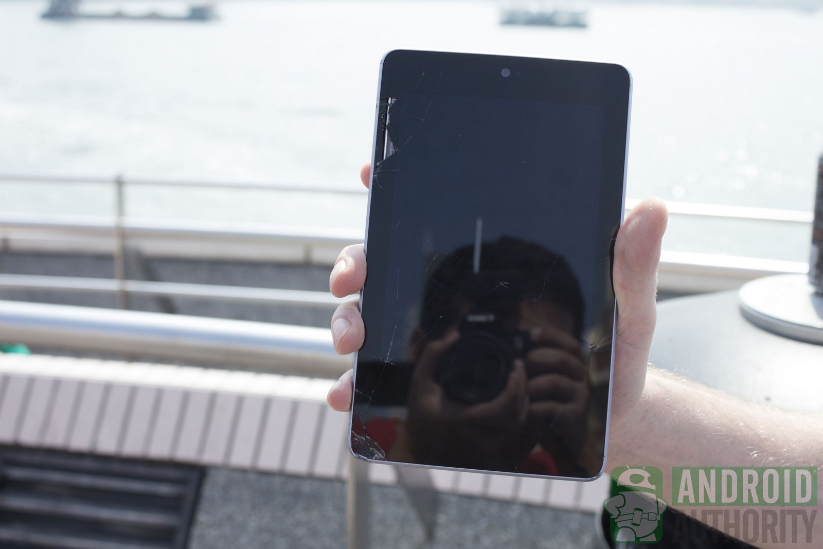 iPad mini vs. Nexus 7, crash test (Android Authority)