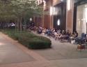 Qui siamo a Durham con i clienti comodamente seduti sulle sdraio