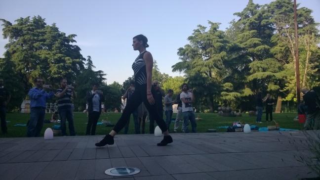 Fotografia di una ginnasta in azione con Lumia 925