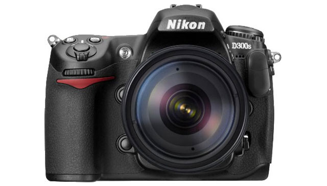 Nikon D300S Frontale