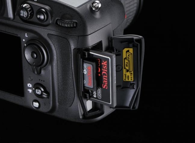 nikon-d800-dual-slot-cf-sd-card