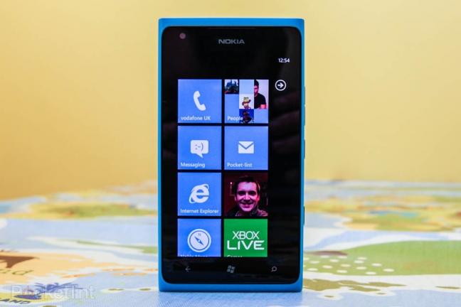 nokia-lumia-900-phone-review-0